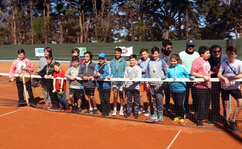 2do.encuentro escuelitas de tenis, en el CNVC, mes de mayo.